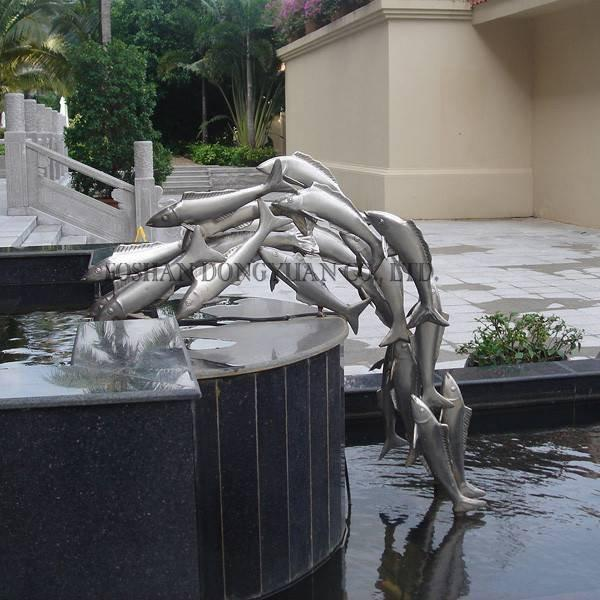 Metal Fish Garden Fountain Decoration