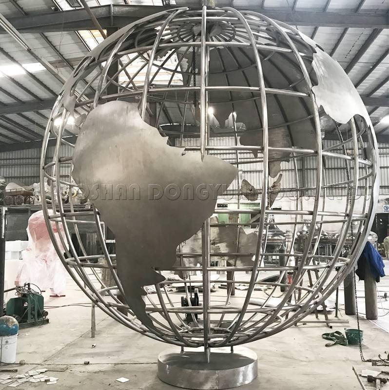 Large Unisphere/World Map Globe