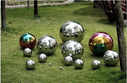 chrismas coloured hollow balls