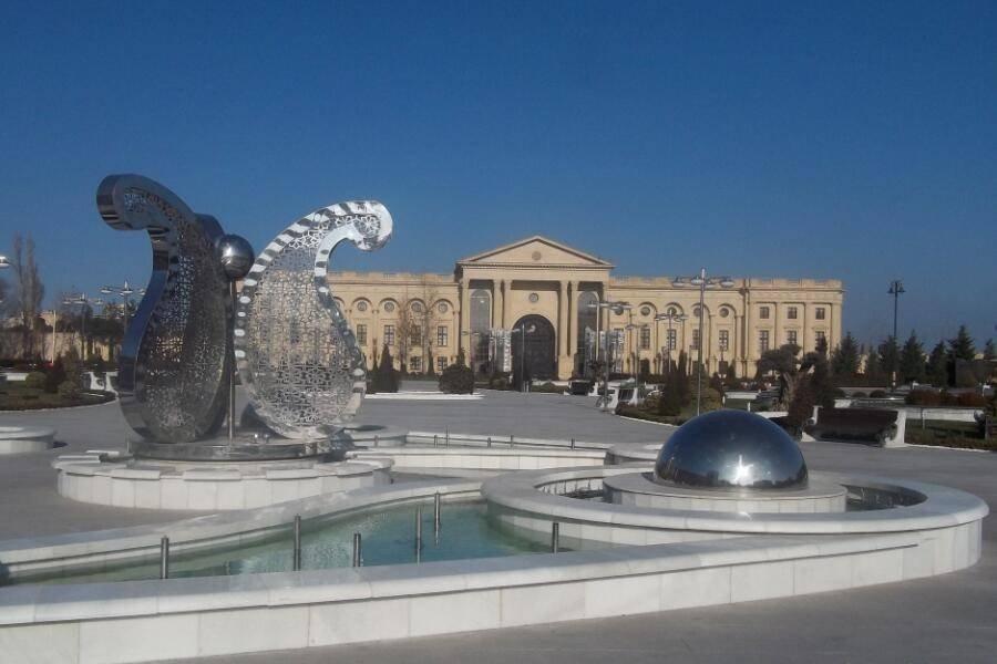 Sculpture in Baku palace